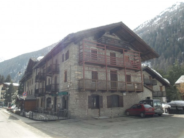 QUADRILOCALE A GRESSONEY IN ANTICA DIMORA