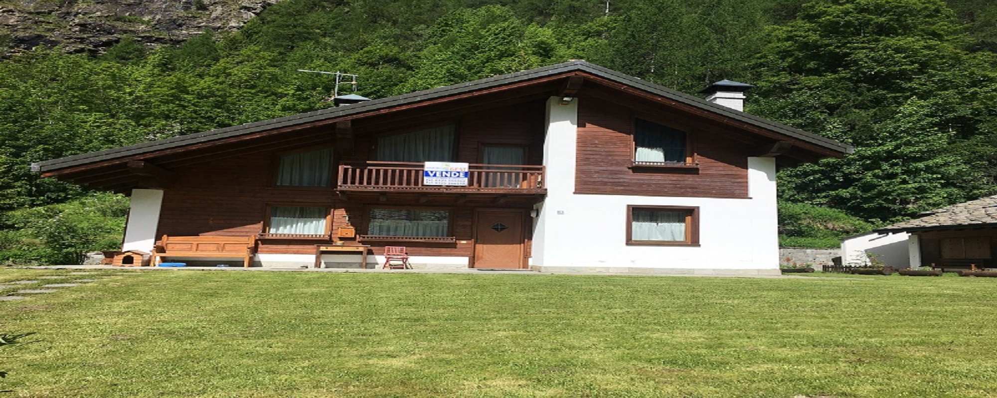 VENDITA VILLA INDIPENDENTE A GRESSONEY LA TRINITE'