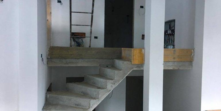 8 scalinata